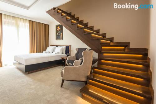 2 bedrooms place with three bedrooms.