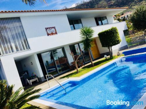 Apartamento con piscina en Arco da Calheta