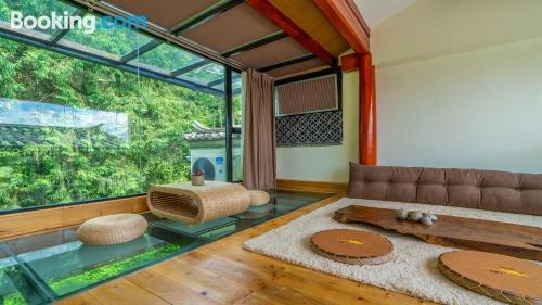 Apartamento en Tengchong con aire acondicionado.