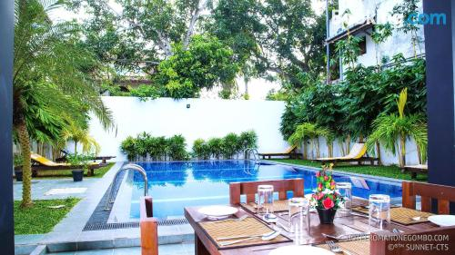 Apartment with pool. Negombo at your feet!