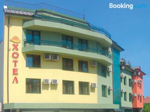 Apartamento con terraza y wifi