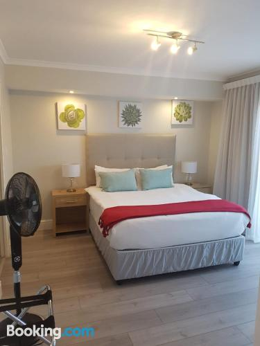 2 rooms place in Cape Town with swimming pool.