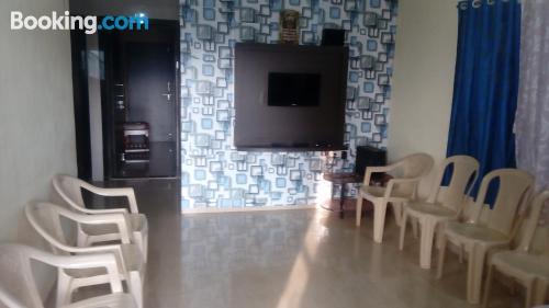 Apartamento de una habitación en Mahabaleshwar. Perfecto para familias.