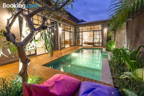 Enorme apartamento en Ubud. ¡aire acondicionado!.