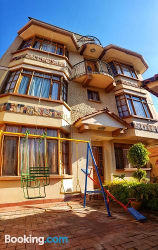 Apartamento con terraza y conexión a internet