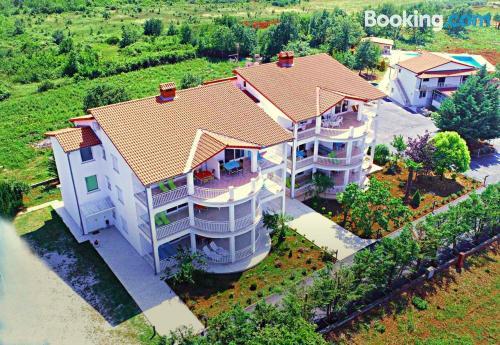 Apartamento de dos habitaciones en Poreč con vistas