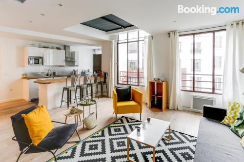 Spacious place in Paris. Great for families