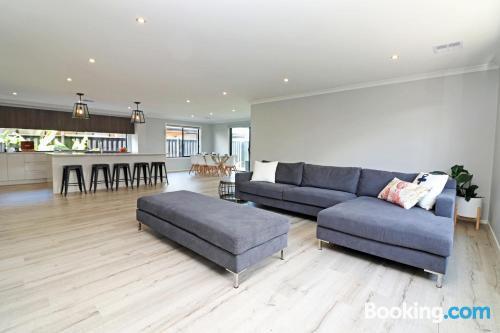 Apartamento para familias en Cowes con conexión a internet y terraza