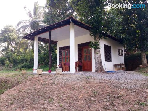 Petite home for 2 people. Tangalle at your feet!