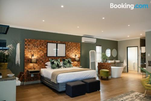 Apartment for 2 in Bloemfontein. Be cool, there\s air-con!