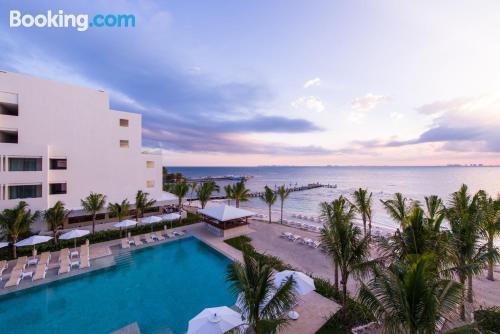 Apartamento de 61m2 en Isla Mujeres con piscina