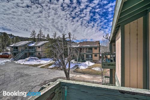 2 bedrooms home in Big Bear Lake with swimming pool.