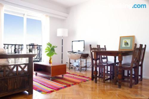 Espacioso apartamento de dos habitaciones en Buenos Aires.