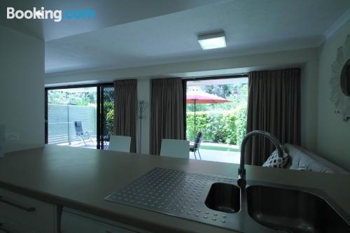 Apartamento de dos habitaciones en Mooloolaba con piscina