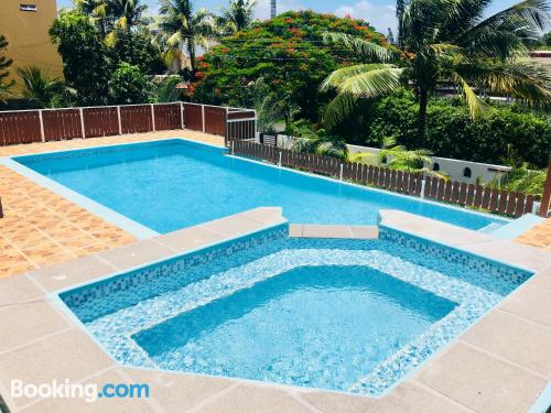Pool and internet home in Pointe aux Cannoniers. Air-con!