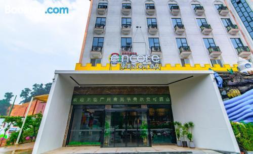 Apartamento con conexión a internet en Cantón.