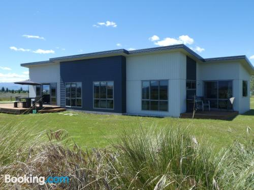 Home for six or more in Twizel with internet