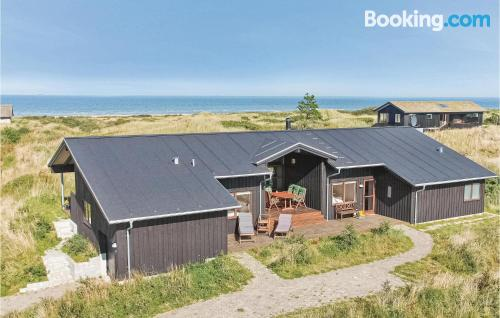 Place for 6 or more in Hirtshals. Ideal!