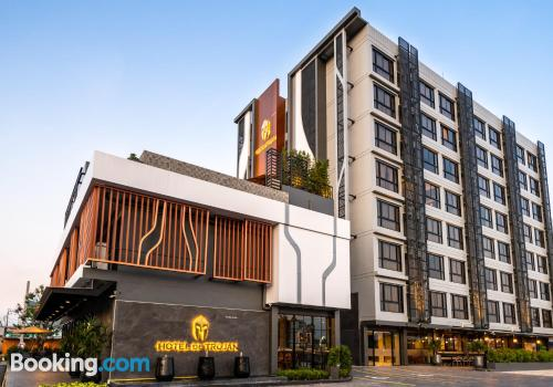 Apartamento en Samutprakarn. ¡70m2!.