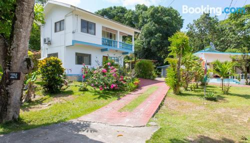 Amplio apartamento en Anse Boileau ¡Con vistas!