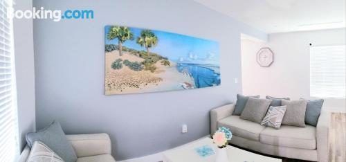 1 bedroom apartment home in Miami with wifi.