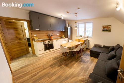 Apartamento ideal para familias con terraza.