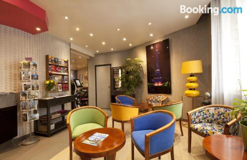 Independent apartment for 1 person. Paris at your feet!