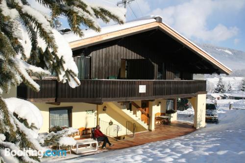 Apartamento con cuna en Brixen im Thale.