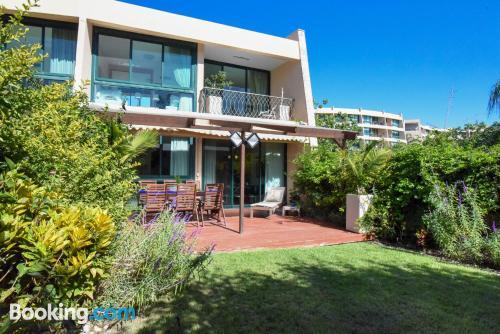 Apartamento de 95m2 en Caesarea ¡con terraza!.