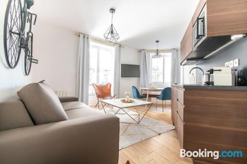 Apartment with internet in superb location. Stay!