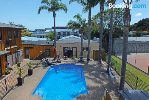 Swimming pool and internet place in Paihia. Terrace!