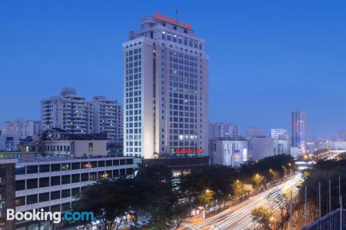 Apartamento con piscina y aire acondicionado en Haikou