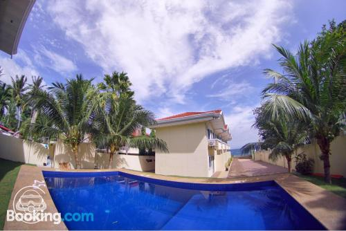 Cozy apartment. Enjoy your swimming pool in Dumaguete!