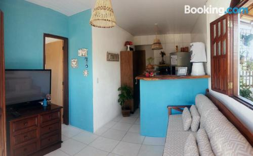 2 bedrooms in superb location. Homey!