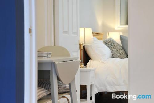 Apartamento de una habitación en zona increíble de Bath.