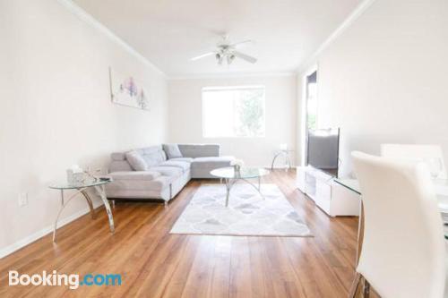 2 bedroom home in Los Angeles. Air!