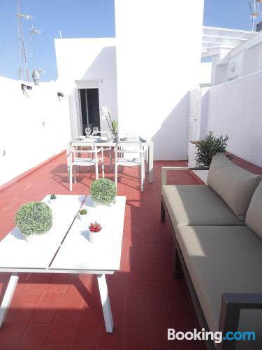 Apartamento con terraza en zona inmejorable de Cádiz