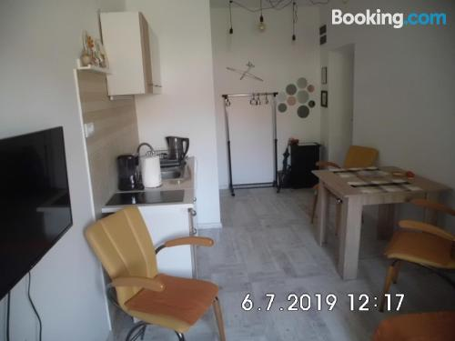 Cuco apartamento en Sombor con conexión a internet