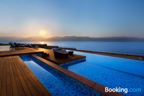 Home in Eilat with terrace and wifi.