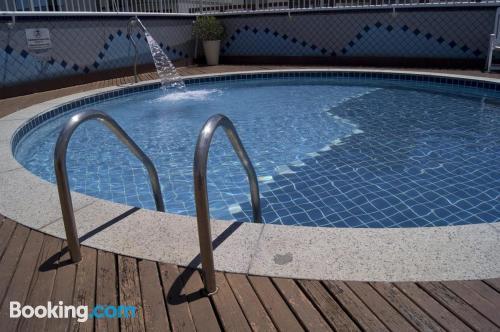 Apartamento con piscina. Zona increíble, wifi