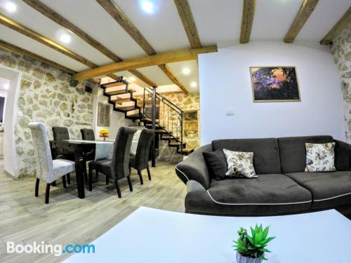 Espacioso apartamento en Babino Polje. ¡aire acondicionado!.