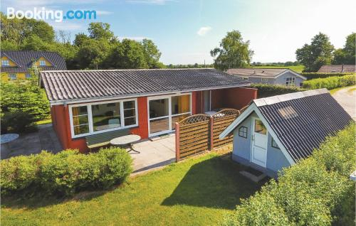 Egernsund apartment. Convenient for six or more