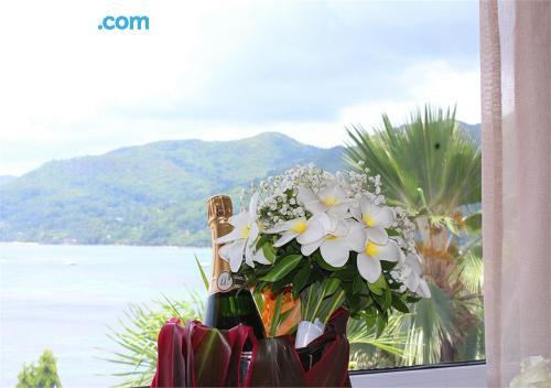 Apartamento en Anse Royale con vistas