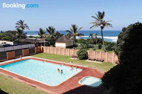 Two room apartment in Amanzimtoti. Perfect for 6 or more