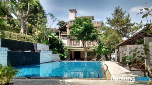 Apartamento con piscina, en el ajo