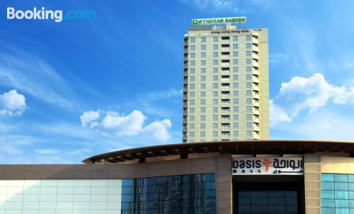 Apartamento con piscina y aire acondicionado en Manama