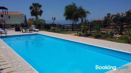 Two room apartment in Peyia. Be cool, there\s air!
