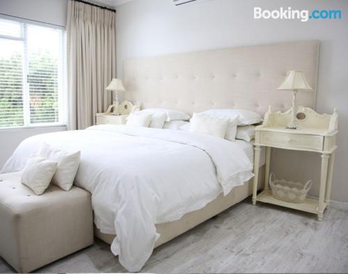 Affascinante appartamento con una camera. Citta del Capo è in attesa!.