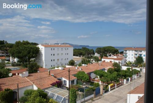 1 bedroom apartment place in L'Escala in center. Sleep!.