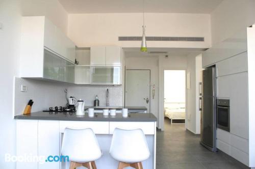 Apartamento con aire acondicionado, en zona céntrica